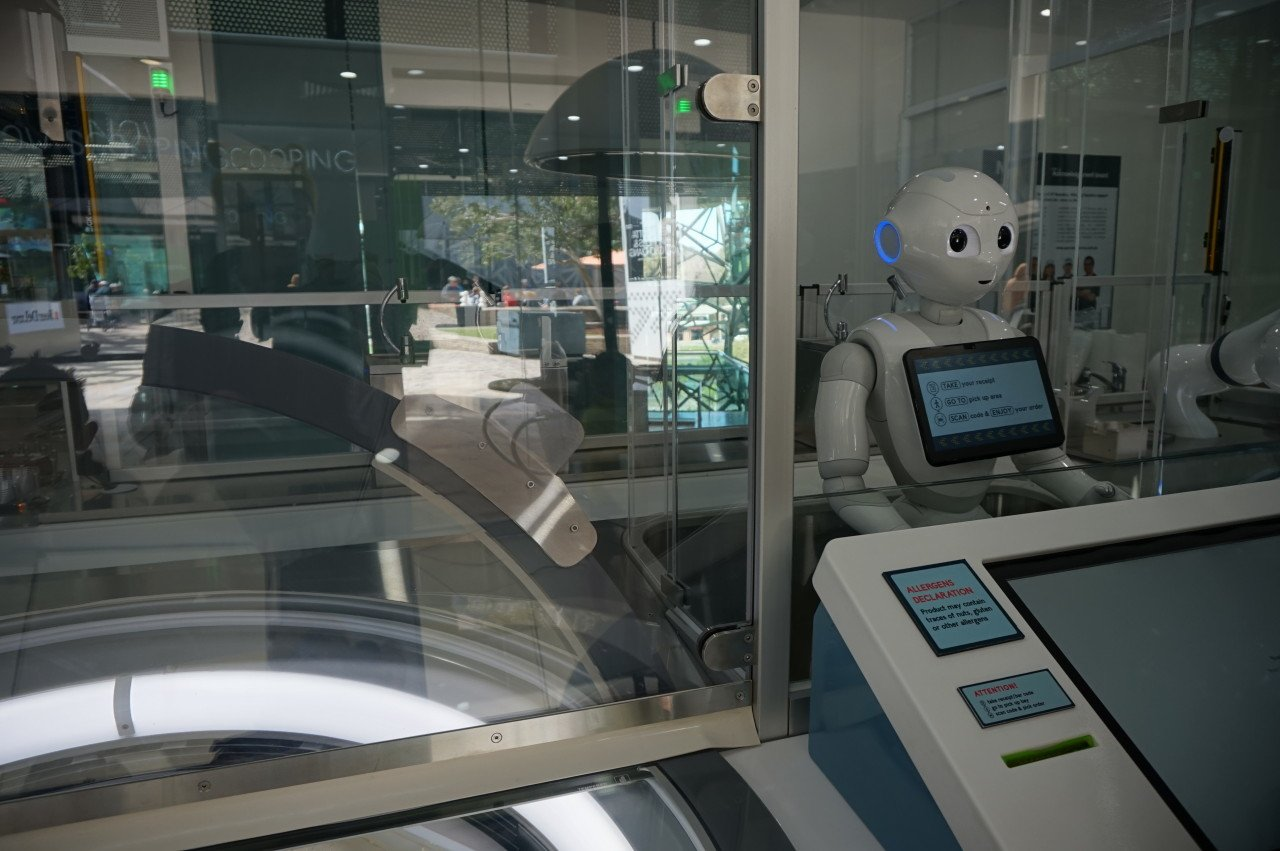 welcome-robot-icecream